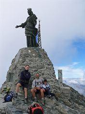 monumento alla Madonna collocato sulla vetta del Rocciamelone