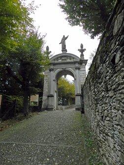 ingresso al Sacro Monte di Orta