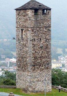 torre medievale santuario Madonna della Guardia.jpg