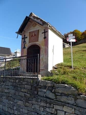 Arvogno (val Vigezzo – Ossola) Pilone-cappella dedicato alla Vergine