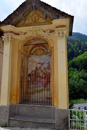 Fobello (val Sesia) Pilone parte di una via crucis allestita nel paese