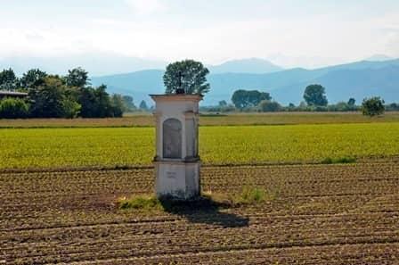 Airasca (To): pilone campestre con Santi protettori delle attività agricole
