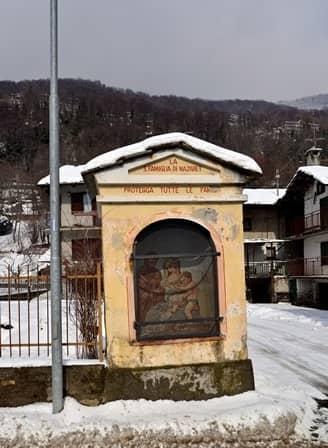 Villar Pellice, piloni ottocenteschi dedicati a S. Espedito (martire tebeo) e alla Sacra famiglia