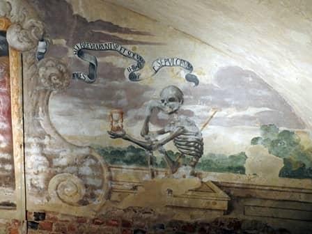 Cripta sepolcrale nell'abbazia di Casanova a Carmagnola